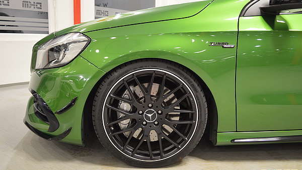 Mercedes A45 AMG Performance Facelift Foto 10