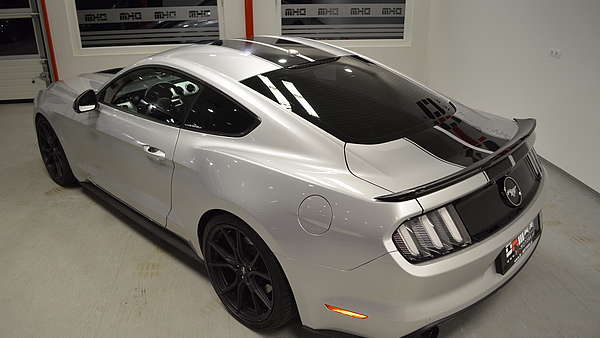 Ford Mustang Fastback 2.3 Eco Boost Foto 3