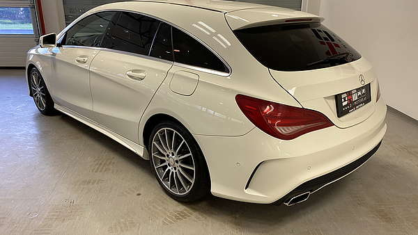 Mercedes CLA 250 4-Matic Shooting Brake AMG Line Foto 2