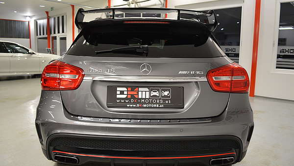 Mercedes GLA 45 AMG 4-Matic Edition 1 Foto 4