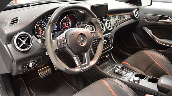 Mercedes GLA 45 AMG 4-Matic Edition 1 Foto 12