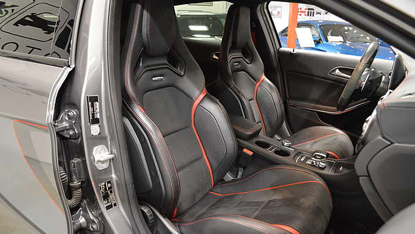 Mercedes GLA 45 AMG 4-Matic Edition 1 Foto 14