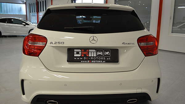 Mercedes A250 4-Matic AMG Foto 4