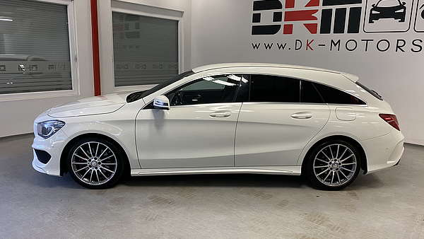 Mercedes CLA 250 4-Matic Shooting Brake AMG Line Foto 1