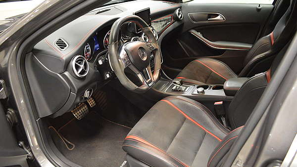 Mercedes GLA 45 AMG 4-Matic Edition 1 Foto 10