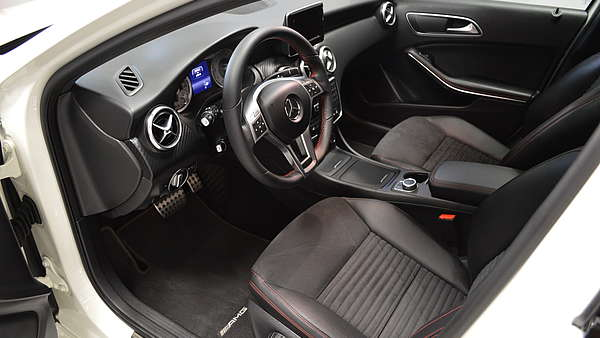 Mercedes A250 4-Matic AMG Foto 10