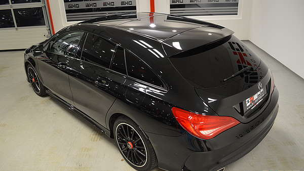 Mercedes CLA 220d Shooting Brake AMG Foto 12